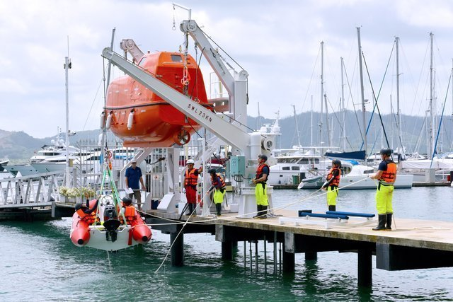 rescue craft crew